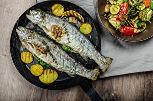 Фото Морепродукты Рыба Овощи Тарелка