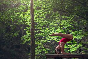 Обои Гимнастика Ноги Marie-Lou Lagrange Спорт Знаменитости Девушки фото