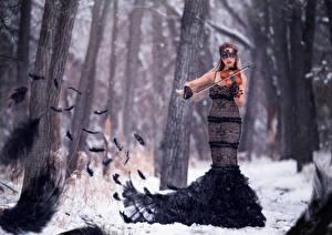 Картинка Скрипки Перья Платье Symphony of the raven девушка