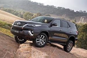 Фото Toyota Металлик 2015 Fortuner Автомобили