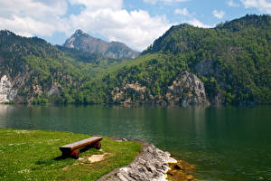 Фотография Австрия Горы Озеро Трава Скамья Traunsee Природа
