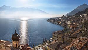 Обои Италия Горы Озеро Побережье Limone sul Garda Lombardy  Lake Garda Lago di Garda Города фото
