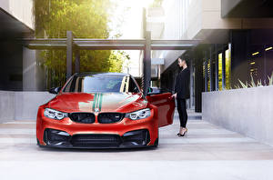 Картинки BMW Тюнинг Красные Спереди m4 Vorsteiner GTRS4 машина Девушки