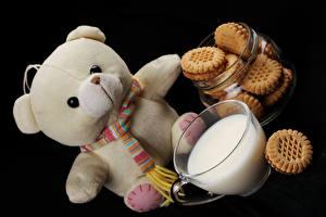 Картинка Игрушки Медведи Молоко Печенье Чашка