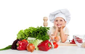 Картинка Овощи Перец Лук репчатый Девочки Униформа Повар ребёнок Еда