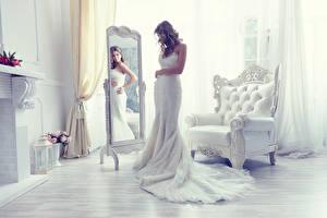 Обои Невеста Зеркало Комната Белая Платья Кресло Девушки