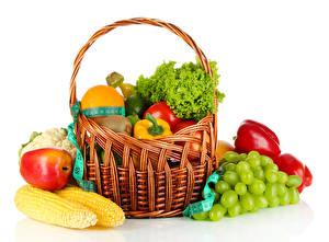 Обои Кукуруза Яблоки Перец Виноград Овощи Фрукты Корзинка Еда