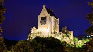 Картинки Замок Развалины Люксембург Ночные Larochette Castle Города