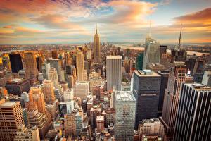 Картинки США Небоскребы Нью-Йорк Мегаполиса Облака город