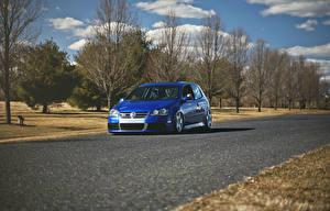 Фотографии Фольксваген Дороги Синий golf gti R32 Автомобили