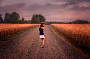 Фото Дороги Поля Девочки Дети Природа