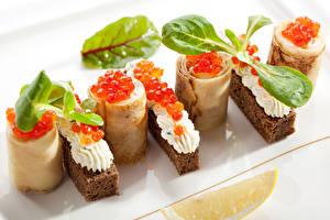 Фотография Морепродукты Икра Бутерброды Блины Листья