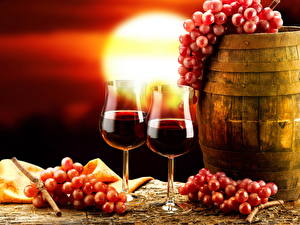 Обои Напиток Вино Виноград Бочка Бокалы Двое Еда