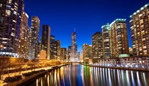 Картинка Штаты Реки Дома Небоскребы Чикаго город Набережная Водный канал Города
