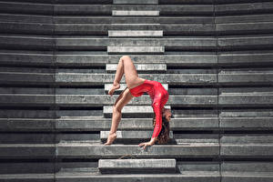Обои Гимнастика Ноги Лестница Mira Boumejmajen Спорт Девушки фото