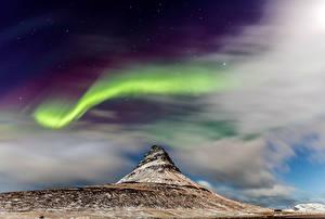 Обои Исландия Гора Киркьюфетль гора Вулкан Северное сияние Природа