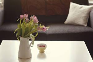 Обои Тюльпаны Ваза Диване Подушки Цветы