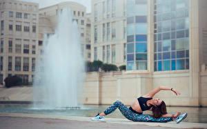 Фотографии Гимнастика Шпагат Растяжка упражнение Melanie Coer Спорт Девушки