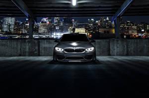 Картинка БМВ Припаркованная Спереди Ночные M3 F80 Mode Carbon Автомобили