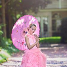 Картинки Зонтик Платья Розовый Southern Belle Julia Altork молодые женщины