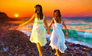 Картинки Рисованные Море Рассветы и закаты Девочки Двое ребёнок