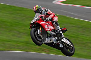 Картинки Мотоциклист Мотоциклы Спорт