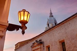 Обои Храмы Колумбия Собор Уличные фонари La Catedral de Santa María la Vieja Cartagena Cathedral Getsemaní Cartagena Bolivar