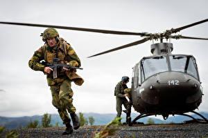 Фотография Вертолеты Солдаты Norwegian Army Армия Авиация