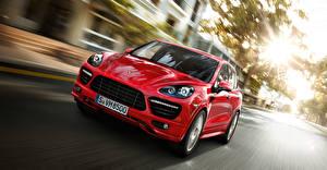 Обои Porsche Спереди Красный Движение Cayenne Машины