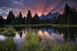 Картинка Горы Рассветы и закаты Леса Реки Пейзаж Природа