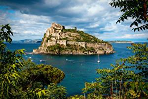 Обои Италия Остров Замки Море Ischia Aragonese Castle Природа фото