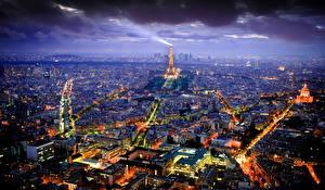 Картинка Франция Париже Эйфелева башня Ночные Сверху Мегаполис город