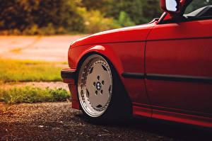 Картинка БМВ Красный Колесо E30 Автомобили