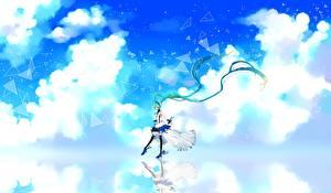 Картинки Vocaloid Hatsune Miku Облака cu riyan 7th dragon Девушки