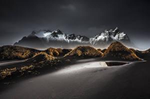 Картинка Исландия Гора Пейзаж Песок Vestrahorn Stockksness Природа