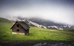 Фото Гора Дома Туман Трава Природа