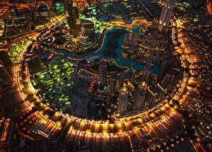 Фотографии ОАЭ Дубай Небоскребы Сверху Мегаполис Уличные фонари Города