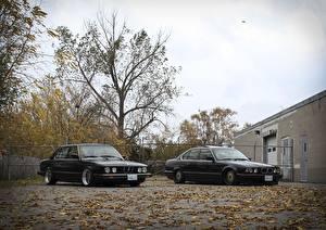Картинка БМВ Тюнинг Черные Двое E28 E34 stance Автомобили