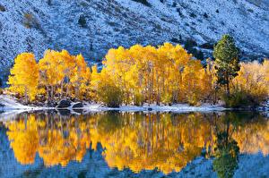 Фотографии Горы Осень Озеро Природа