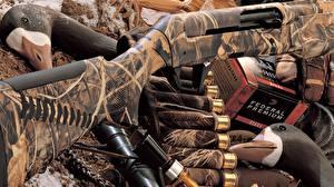 Обои Патроны Ружьё Крупным планом Benelli shotgun camouflage Армия фото