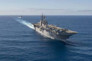 Картинки Корабли Авианосец USS Essex (LHD-2)