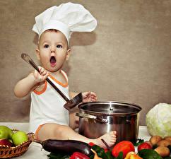 Фотографии Овощи Младенец В шапке Повары Дети