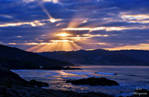 Обои Море Рассветы и закаты Облака Лучи света Leo Margareto Природа