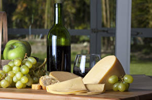 Картинка Натюрморт Сыры Вино Виноград Яблоки Бутылка Бокалы Продукты питания