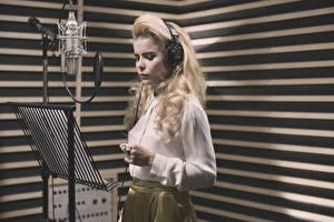 Обои Блондинка Микрофон Paloma Faith singer Музыка Знаменитости Девушки фото