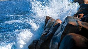 Фотографии Море Камни Утес Брызги Природа