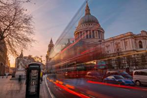 Обои для рабочего стола Англия Лондоне Улица Движение Города