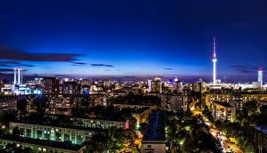 Фото Германия Берлин Здания Небо Мегаполиса Ночь Уличные фонари Города