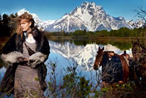 Фотография Blake Lively Горы Озеро Лошади Мужчины Платье Шляпы Знаменитости Девушки Природа Животные
