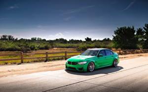 Фотографии БМВ Небо Зеленый Забора m3 green f80 Автомобили